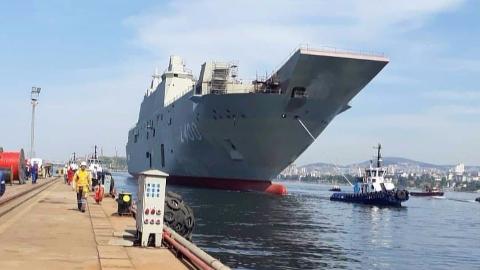 大火四天后,土耳其航母急匆匆带伤下水!网友:海军大国梦急不得