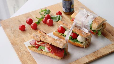 阿芋带你做一个手法清新脱俗的卡布里三明治!