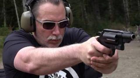"""[BERETTA9mmUSA]史密斯威森""""总督"""".45左轮手枪"""