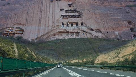 开车穷浪新疆第1集 离新疆只有一步之遥了