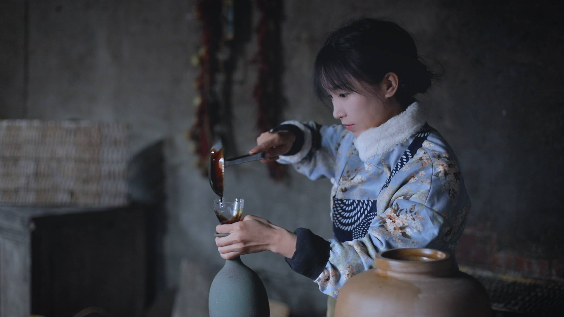 用黄豆酿一壶传统手工酱油,中国味才养中国胃