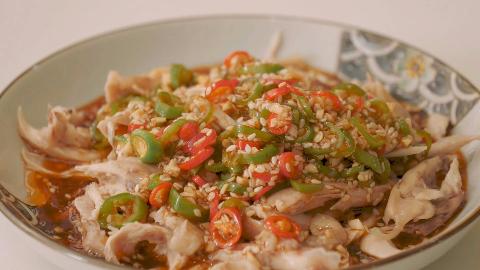 凉拌鸡腿肉的做法,下饭不油腻,简单又易学,一道适合夏天的美食
