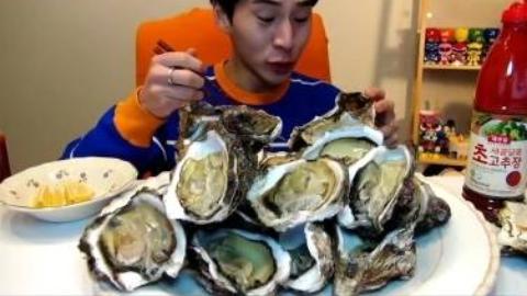 [奔驰哥吃播]吃海鲜生蚝