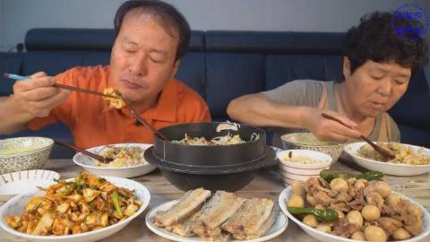 中字:韩国兴森一家人,儿子不在家,妈妈今天做了5道菜,爸爸有口福了