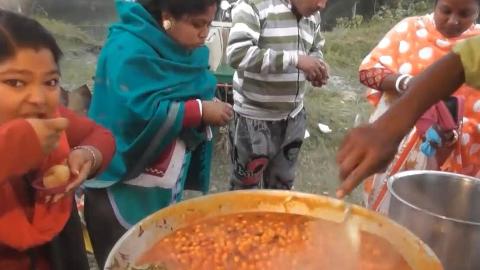 印度特色重口味小吃!各种调料捏造而成