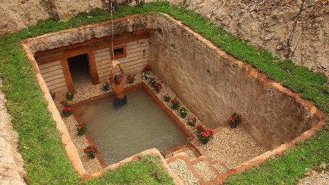 原始生活开始!挖间带泳池的小别墅先!