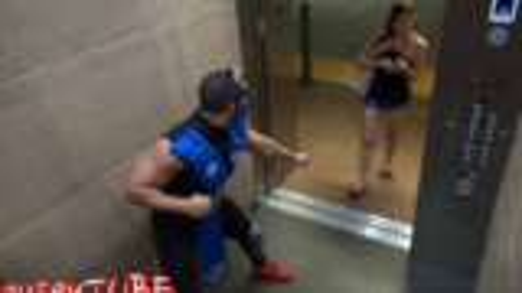 youtube观看超一亿的电梯恶作剧整蛊视频