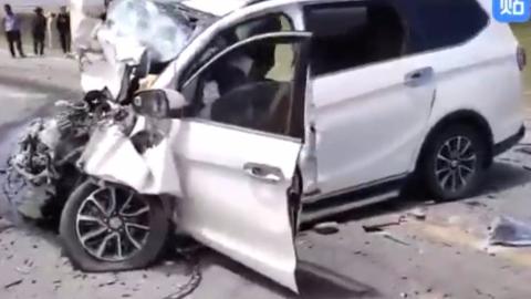 437期:神车逆行撞客车,致车上6人死亡,车辆报废!