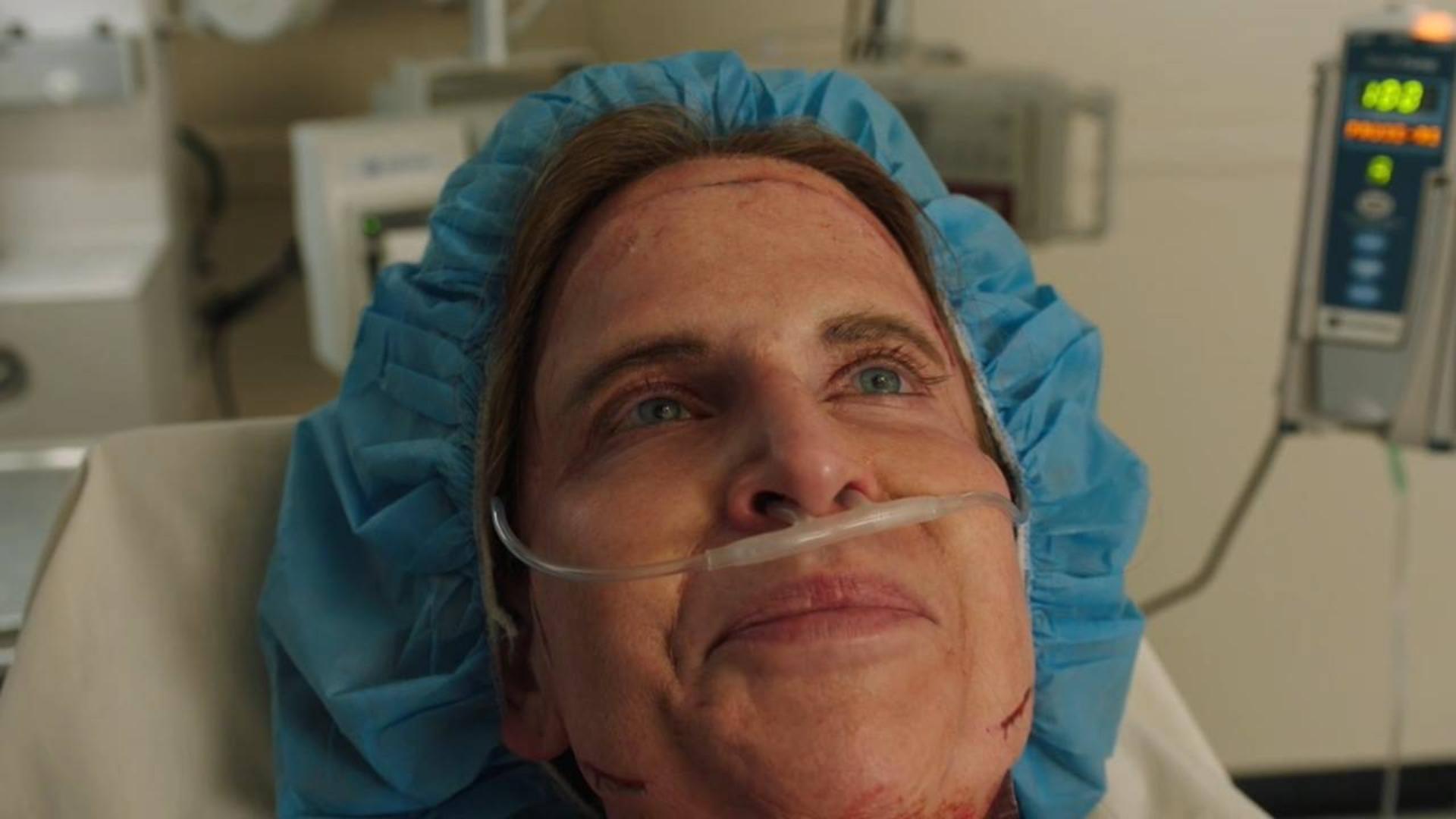 女子去整容,醒来发现医生都晕了,手术刚做到一半……《紧急呼救S2-11》
