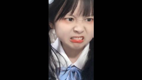 【草莓果酱ox】表情包少女草莓酱