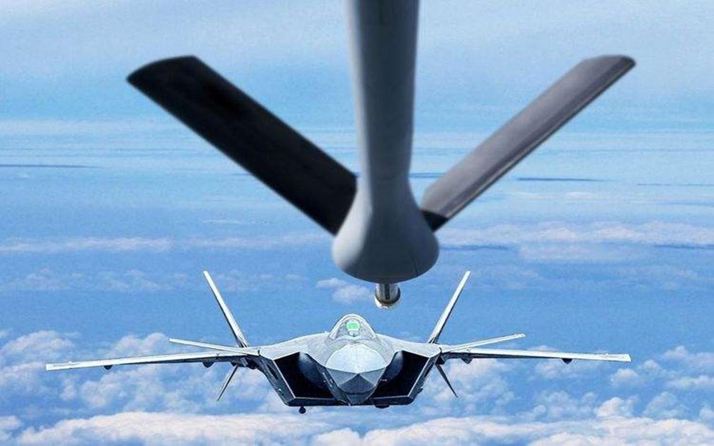 【点兵935】歼20空中加油暗藏细节,国产战机这次终于比肩美国隐身机