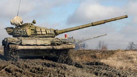 【钢铁猛兽】超硬核:《T-72出击》