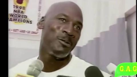 乔丹99年第二次退役后在公牛训练馆教球员做人