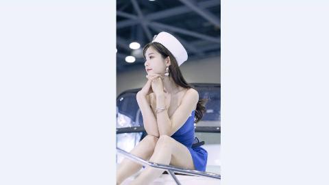 可爱的韩敏英水手蓝装扮