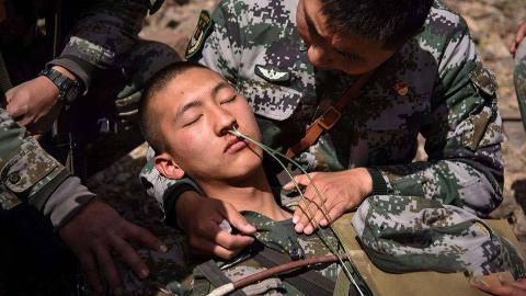 中国最危险的边防区,战士每天插氧睡觉,700多名士兵永远留在此地