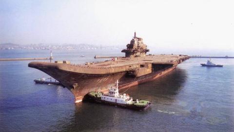 为阻中国,美国收购乌克兰航发巨头:别忘了当年被骗拆毁的核航母