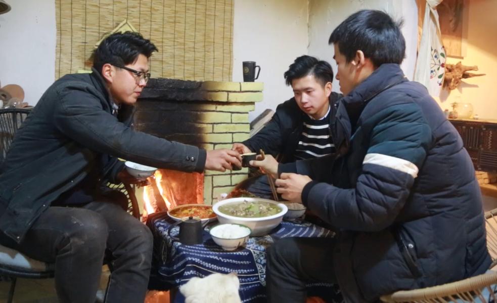 【野居青年】大铁锅炖羊肉,吃肉贴膘, 抵御严寒