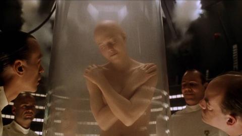 【阿斗】一个时代的结束!距第一部18年后,这部童年阴影的系列科幻片终于完结了《异形4》