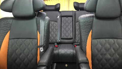 【环球商务房车】19款奔驰V级V260L定制改装黑色宾法纪念版,魅力十足!