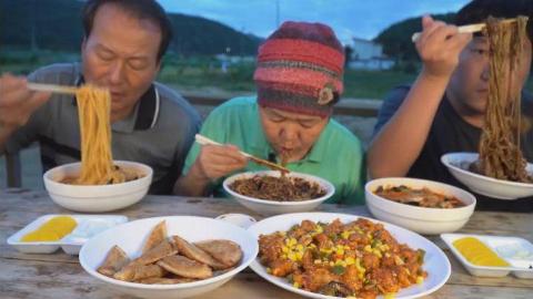 中字:韩国兴森一家,儿子怕妈妈辛苦,今天点中餐外卖,一家人吃的美滋滋