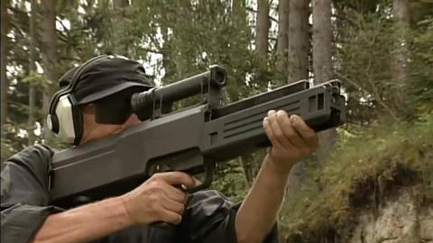 【中日双语】G11无壳弹步枪实弹射击