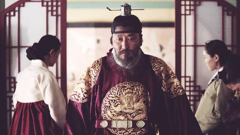 父亲把儿子关进米柜整整7天活活饿死,宋康昊与刘亚仁的精彩对决,为你揭开一段残酷的韩国历史谜案《思悼》