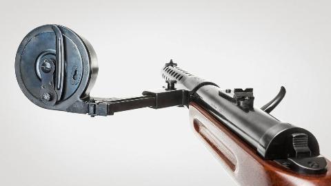 【讲堂442期】人类首款投入实战的冲锋枪,拥有奇特的蜗牛供弹机构,专为德国暴风突击队研制