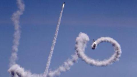 铁穹系统拦截火箭弹,浪漫的像动漫一样。