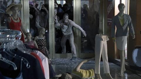 幸存者被丧尸围困商场,为逃生想尽办法《行尸走肉》第一季2