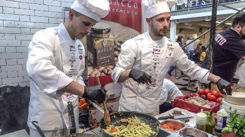 【意大利街头美食】-  西西里岛的美食节