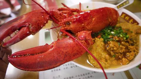 广州早餐真浮夸,龙虾蟹黄配河粉,然而…