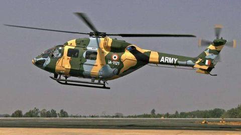 """惨烈!印度直升机被一根电话线""""割""""碎  机上载有一位中将"""