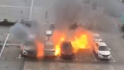 重庆又有电动车自燃,网友:好吓人