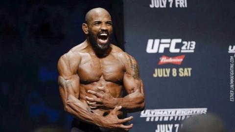UFC经典战:古巴战神罗梅罗KO卢克,获胜后亲对手一口是什么意思