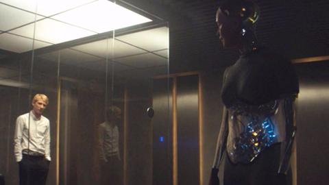 只有4个演员的科幻片,却媲美黑镜,看后背脊发凉