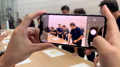 iPhone 11 Pro Max 现场上手:拍照大幅提升,前后四摄可同时工作