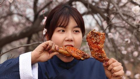 农村小妹教你土洋结合烤肉法,不用带那么多东西就可以吃上烤肉!