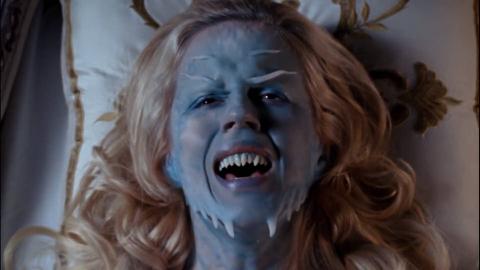 美艳公主每晚都会异变,原来体内封印了一只精灵,精灵族用心险恶算计人类