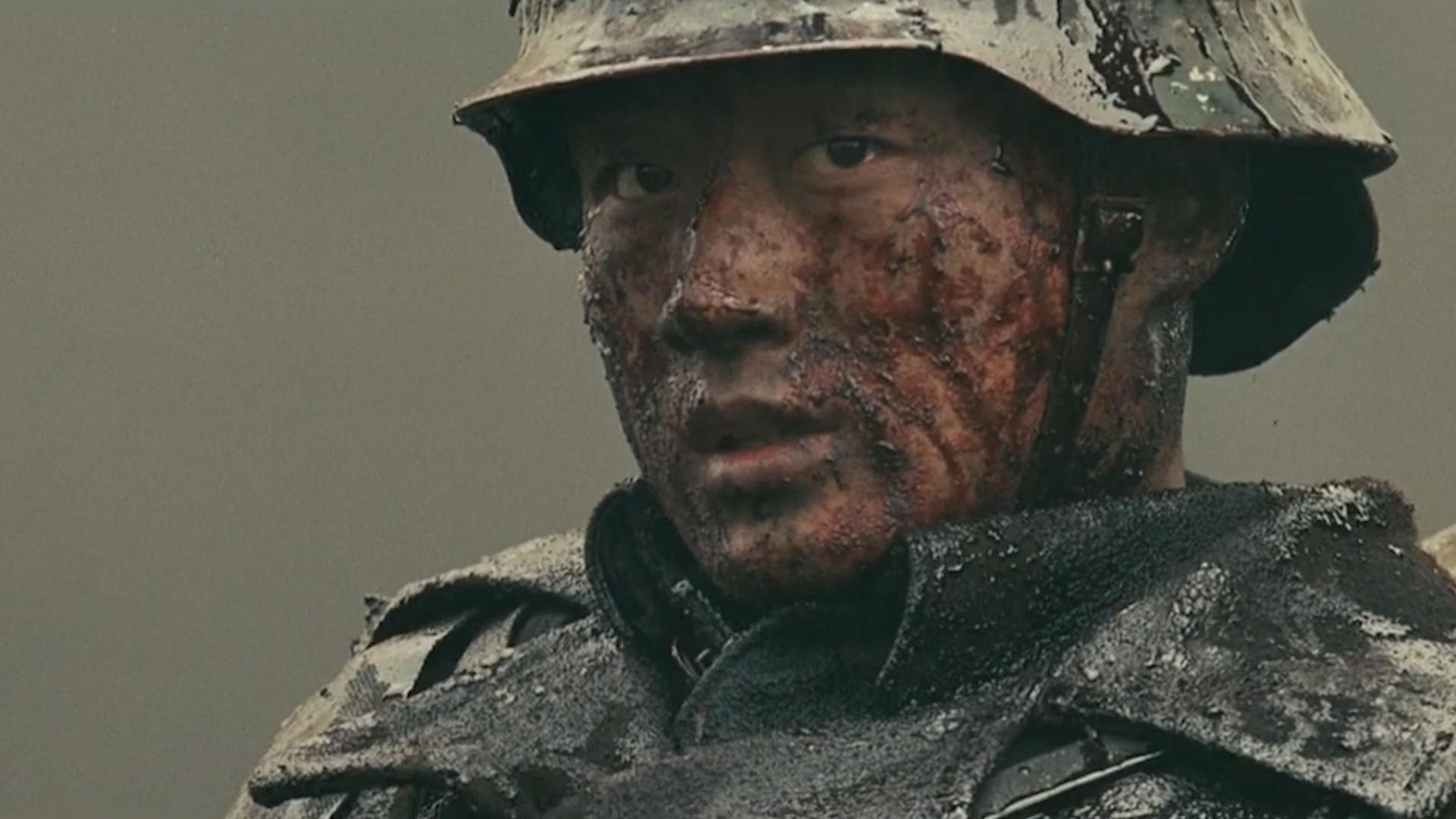 致敬中国军人泪点混剪,军人以身殉国家,愿拼热血卫吾华