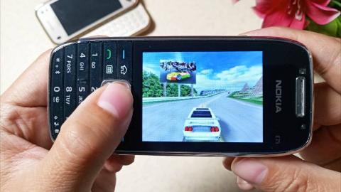 仅1.3MB,100%榨干功能机性能,画面最强3D赛车游戏