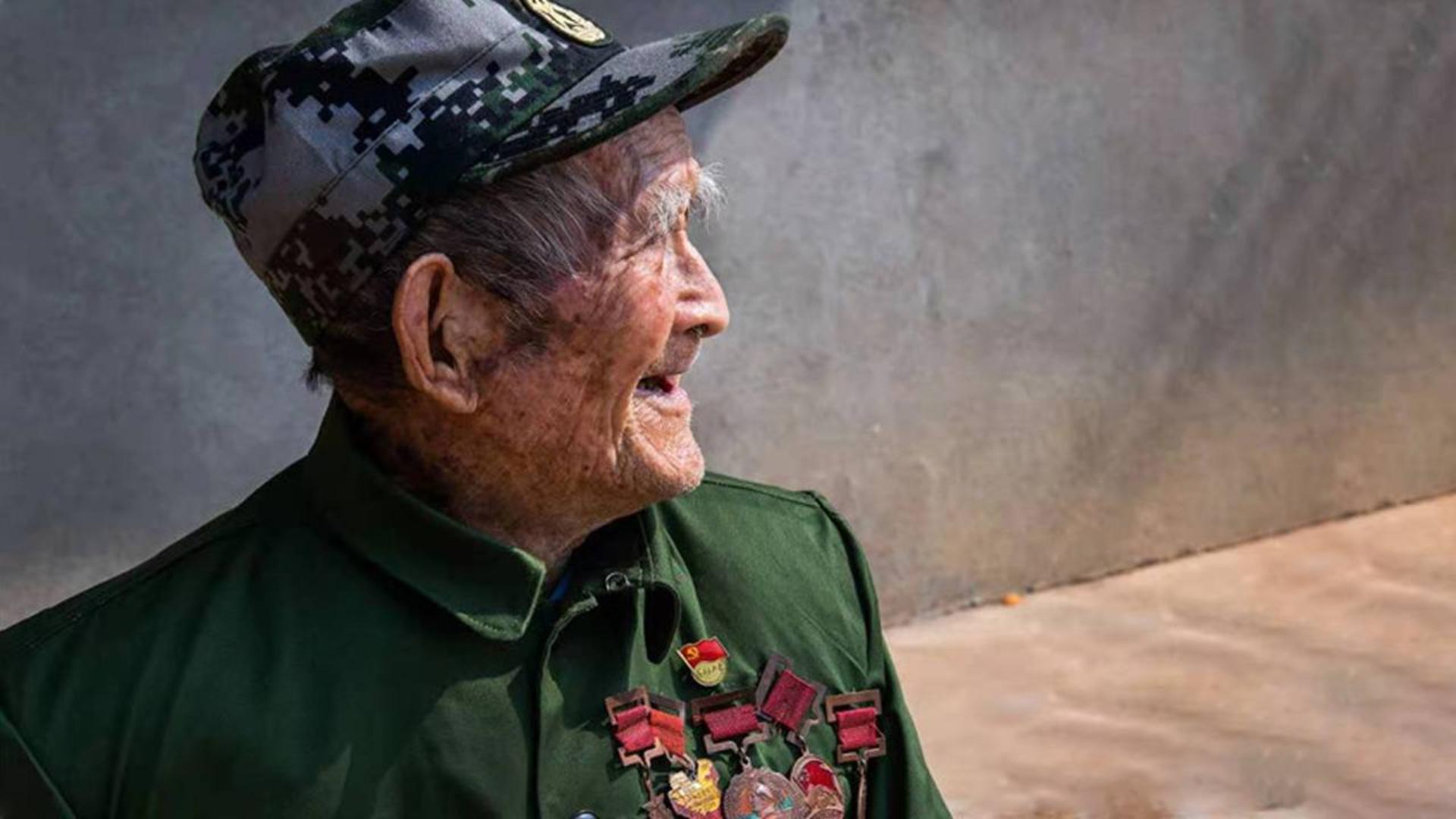 六渡长江、奋战沙场!百岁老兵一句话记了一辈子