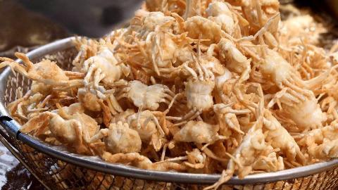 【韩国街头美食】- 炸螃蟹,虾,鱿鱼