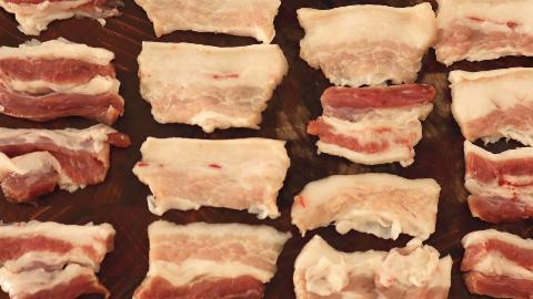 五花肉这样的做法最近又火了,比烤肉还好吃,做法简单好吃还不腻