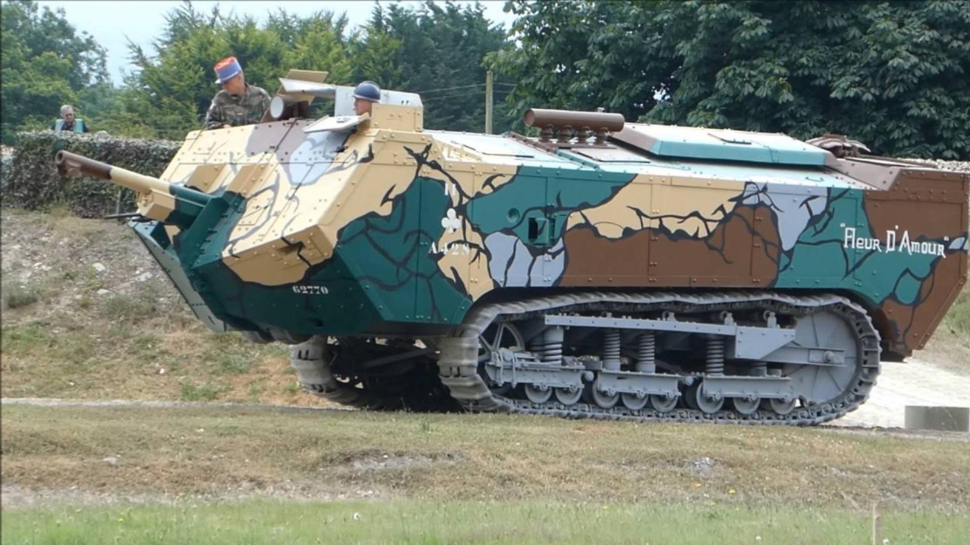 【讲堂516期】第一次世界大战法国就有坦克,配备75MM大口径主炮,却败给了动力
