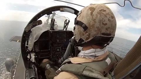 座舱视点看AV-8B起降飞行