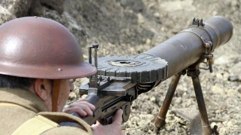 【讲堂484期】一百多年前的黑科技,大口径却不是大炮,详解一战时期著名轻机枪