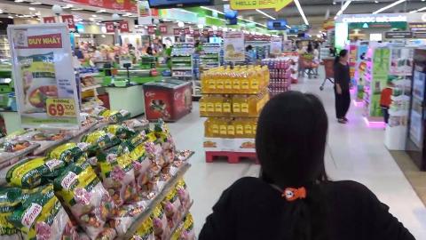 和越南女朋友一起逛超市,得出一个结论,千万不要和女友逛街