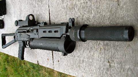 【讲堂469期】大名鼎鼎的野牛冲锋枪,采用罕见的螺旋弹筒,为何不被俄罗斯重用