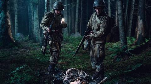 丧尸大片《霸主》,二战美军遭遇不死军团,纳粹提炼生化血清做丧尸