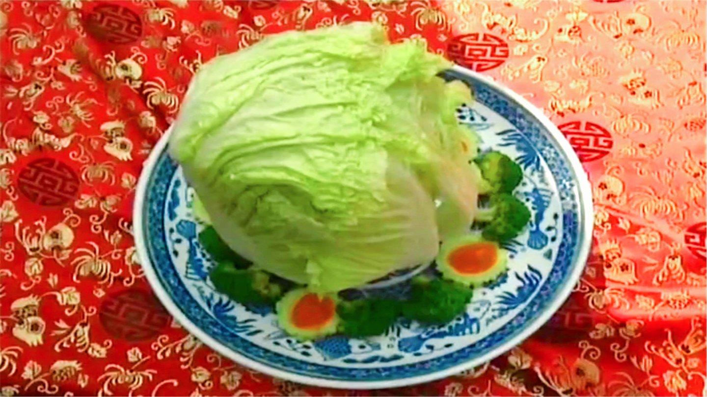 厨子当官: 神厨给慈禧做菜, 竟端上一颗生白菜, 下秒慈禧看傻了